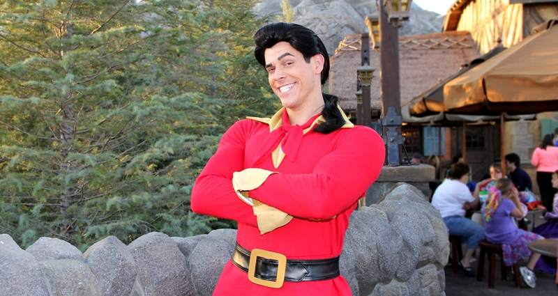 https://www.whatsageek.com/wp-content/uploads/2015/01/gaston-beauty-and-the-beast-2.jpg